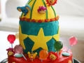 circus-themed-vanilla-and-chocolate-multilayer-cake